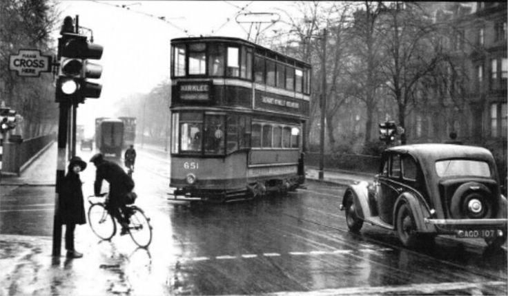Great Western Road, Glasgow at Kirklee Road. (1937)