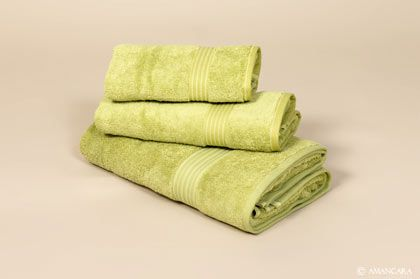 This green with this bright towel set!