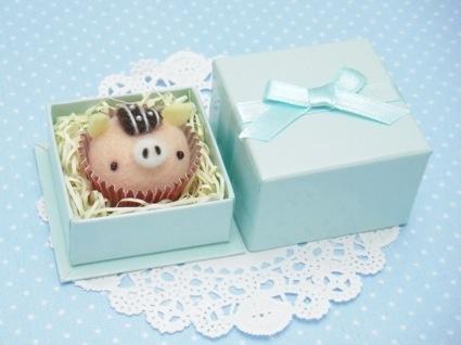 Mr. pig  felt cupcake in piggy form lovely!