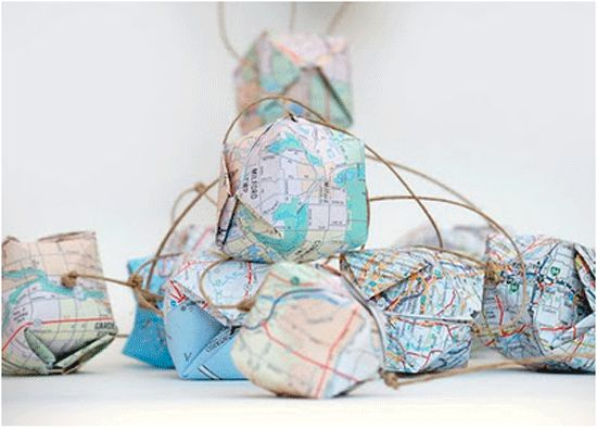 http://cdn.blogs.babble.com/the-new-home-ec/files/map-home-decor/maps-01.jpgDiy Crafts, Paper, Christmas Lights, Old Maps, Diy Globes, Origami, Maps Garlands, Diy Projects, Globes Garlands
