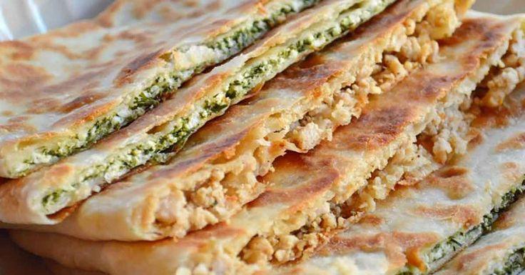 Dacă v-ți odihnit în Turcia, atunci cu siguranță ați gustat măcar o dată turtelegözleme. Aceste bucate se prepară chiar în fața clientului și mereu se formează o coadă imensă. De-a lungul timpului, această mâncare tradițională a devenit una de tipfast-food, populară și îndrăgită de multă lume. Astăzi vă propunem să preparațiaceste delicii acasă. Le puteți …