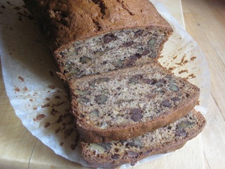 ♥ The Goddess's Kitchen ♥: Banana and Chocolate Chip Loaf