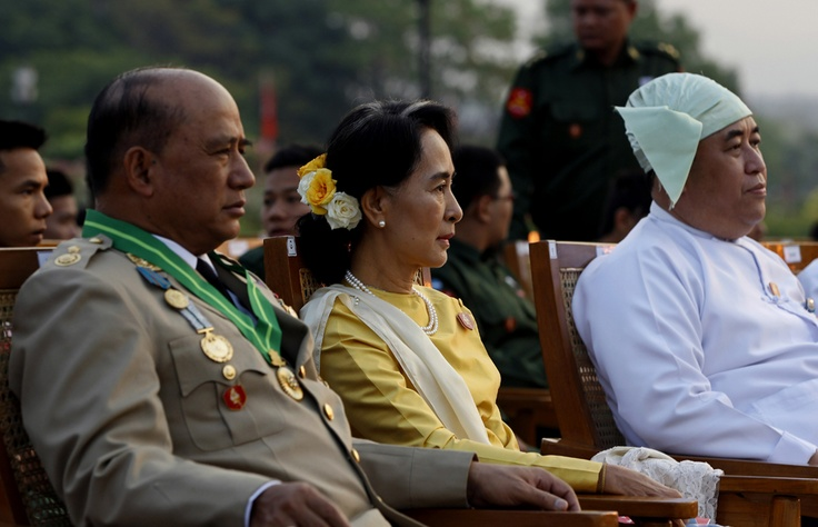 On March 27, opposition leader Aung San Suu Kyi attended a ceremony marking Myanmar's 68th Armed Forces Day at a parade ground in Naypyidaw, Myanmar.