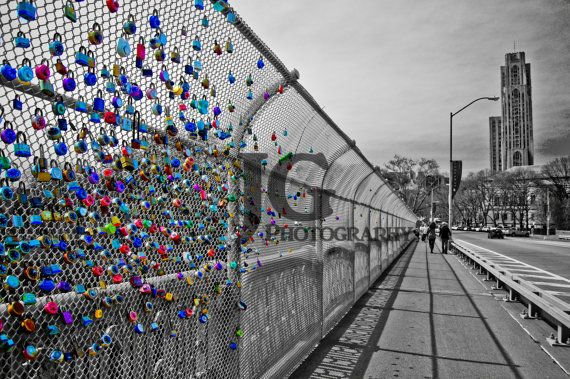 Love Locks on Schenley Park Bridge (Cathedral of Learning, University of Pittsburgh, lock) JG Photography ©