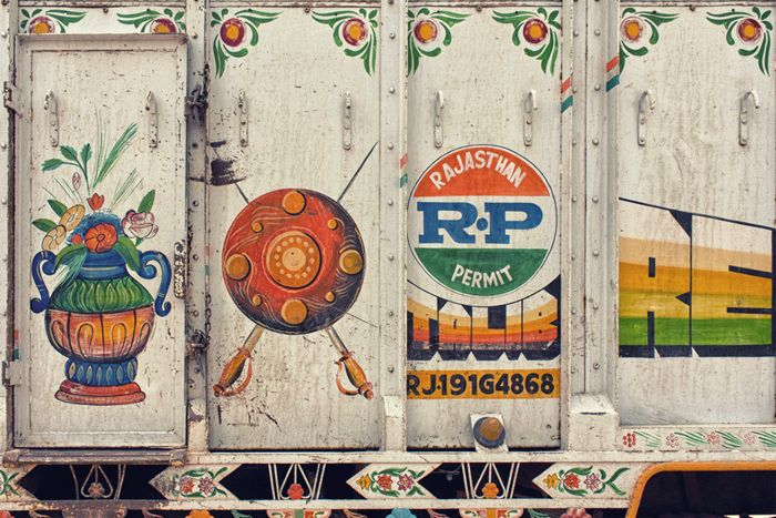typography and motifs on a Rajasthani truck 1