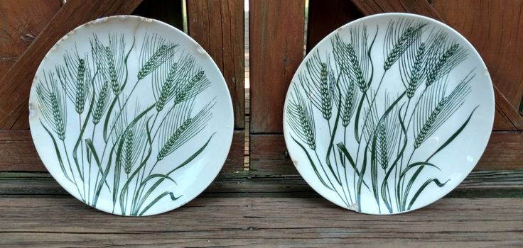 Pair of Primitive Homer Laughlin Wheat Americana 1950's/Country/Rustic/Primitive/Minimalist/Americana/#homerlaughlin/#wheatpattern/#oldplate by PamsWayBackWhen on Etsy