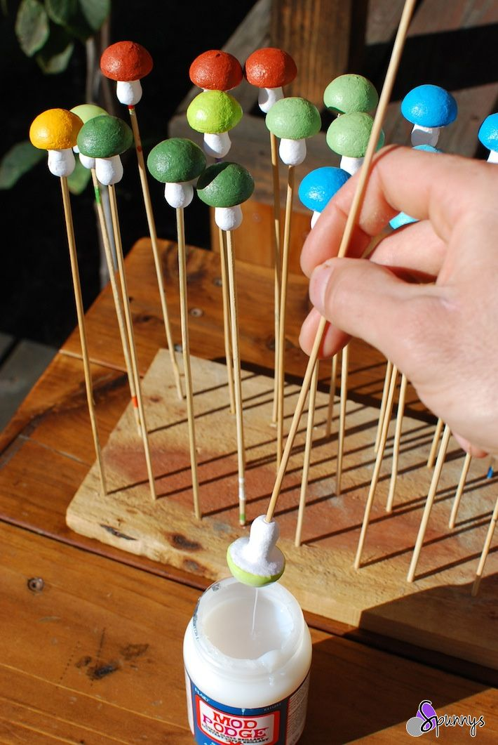 German spun cotton mushrooms: how to make your own. A simple and fun tutorial.