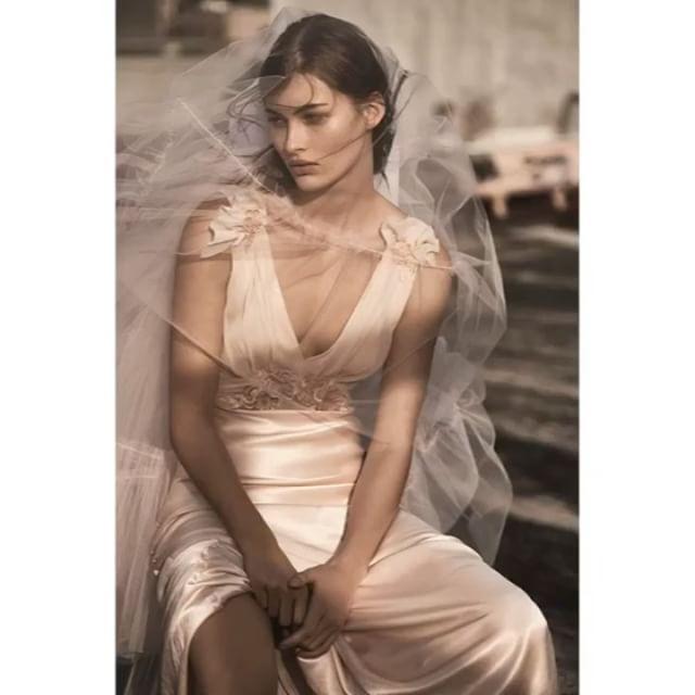 #ELLEtalk 결혼을 앞둔 예비 신부라면 주목 탑샵에서 오는 4월 #웨딩드레스 컬렉션을 선보입니다. 또 영국 브랜드 #휘슬 역시 7벌의 웨딩드레스 컬렉션 런칭을 앞두고 있죠. 이미 브라이덜 컬렉션 라인을 전개 중인 #ASOS 그리고 #제이크루 까지! elle.co.kr에서 자세한 이야기가 이어집니다  via ELLE KOREA MAGAZINE OFFICIAL INSTAGRAM - Fashion Campaigns  Haute Couture  Advertising  Editorial Photography  Magazine Cover Designs  Supermodels  Runway Models