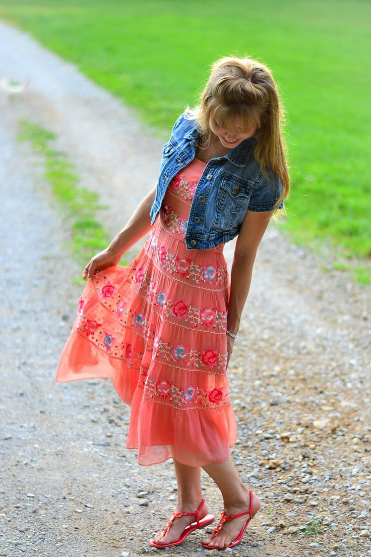 Fabulous summer dress outfit by Olivia from Fresh Modesty...I'm not a dress person but I love this =)