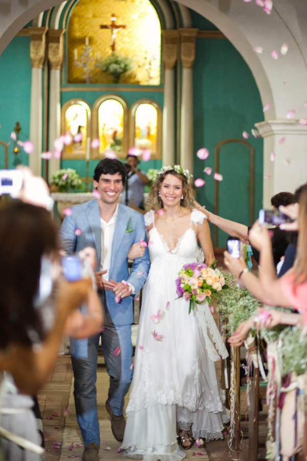 A Rainy Brazilian Wedding With Diy Details Cecilia Luciano