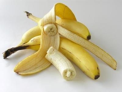 Bananas are a tasty source of potassium, vitamin C and other vitamins and minerals but the tropical fruit can also be used to make a mask that leaves hair shiny, moisturized and sweet smelling.    Peel a banana and mash it in a bowl with a fork. Add 2 tsp. honey and mix well with the spoon. You may also add yogurt or avocado. Smooth the mixture all over your hair, cover and leave for 10 mins.
