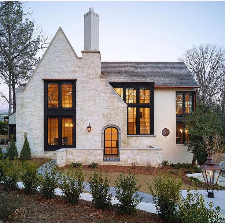 There's something to be said about black trim against some great windows