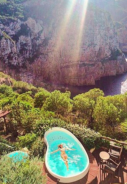 These last-minute getaways are PERFECT for single girls