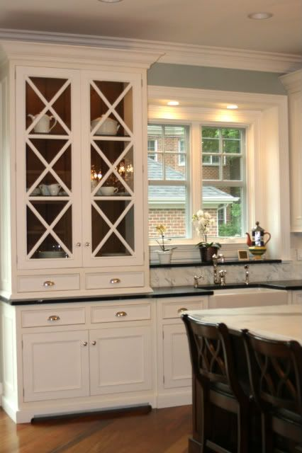 The X cabinets are beautiful.Kitchens Design, Decor Kitchens, Kitchens Ideas, Interiors Design, Design Kitchens, Glasses Doors, Kitchens Cabinets, Cabinets Doors, White Kitchens