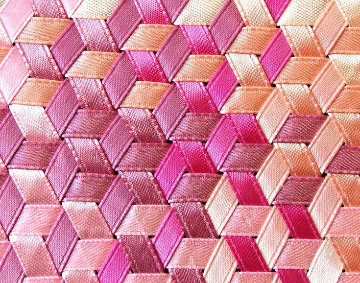 triaxial-pink-closeup.jpg (1019×801)