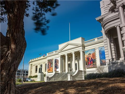 Geelong Gallery exterior from Johnstone Park