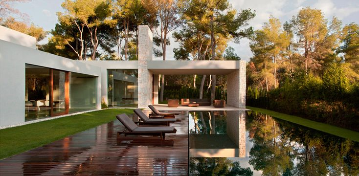 ramón esteve frames the forest house in valencia with masonry walls