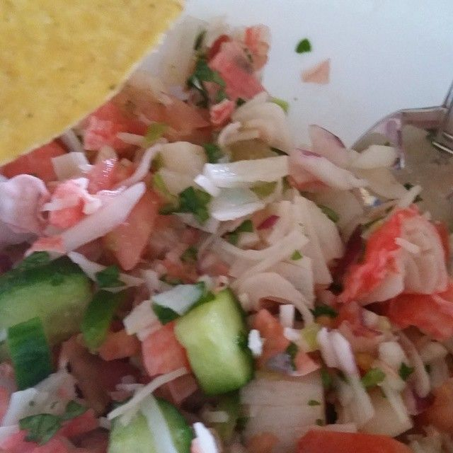 "When it's hot who wants to cook... not me! Imitation crab cevchie made with chopped ""crab"" 6oz is 4pts, all veggies are freeeeeee cucumber, red onion, jalapeño, cilantro, tomato drenched in lemon juice add salt and peper to taste 2 tostada shells 4pts. Nice lite refreshing meal. #wwsocal #wwcalifornia #wwchicks #wwfamily #wwfriends #wwsupport #wwsisters #weightlossstory #weightlossjourney #wwpointsplus #wwpp #weightwatchers #becauseitworks"