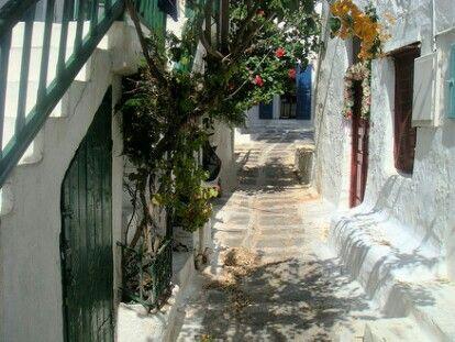 Mykonos streets, Cyclades - © Giorgos Taxmazidis