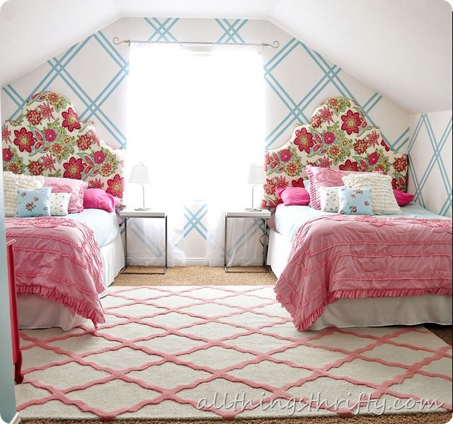 25+ Best Ideas About Two Girls Bedrooms On Pinterest