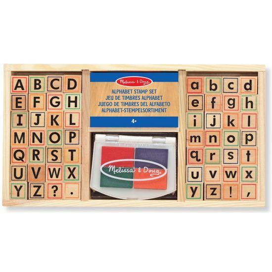 Houten stempelset alfabet. Deze houten stempelset met alle letters uit het alfabet bevat 57 delen en is inclusief stempelkussen. Het formaat van de doos is ongeveer 30 x 16 x 4 cm. Geschikt voor kinderen vanaf 4 jaar.
