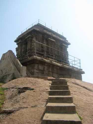 Ancient lighthouse built by the pallava Dynasty in 600's
