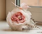 WHISPER ON A BREEZE - Bridal hair fascinator
