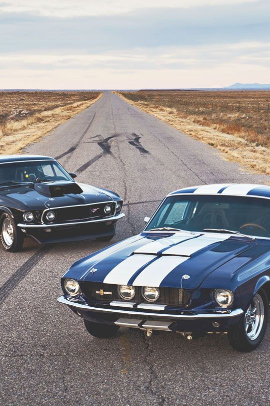 Muscle cars. Mustang.