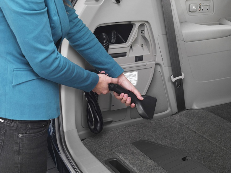 2014 Honda Odyssey Touring Elite  IT HAS ITS OWN BUILT IN VACUUM!
