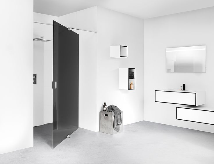 Vårt duschsortiment består av drygt femtio olika modeller. Vilken duschvägg i glas som passar dig och ditt badrum bäst beror på en mängd olika faktorer.