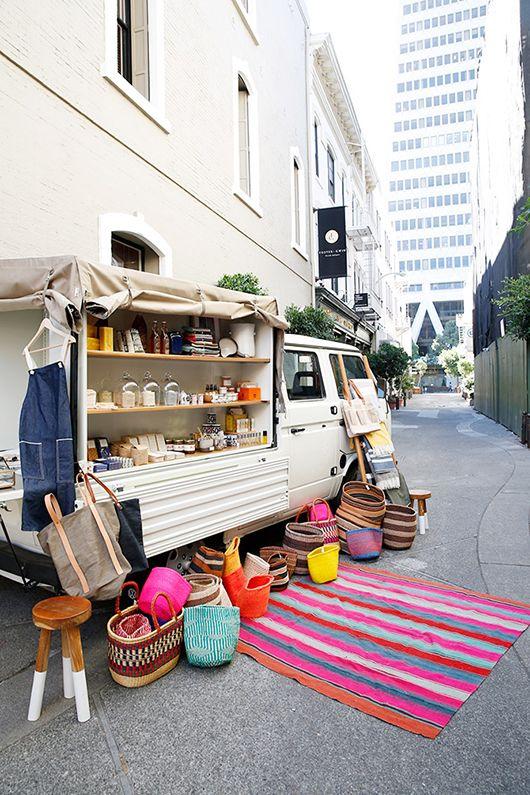 Una manera genial y por demas ingeniosa de venta ambulante. spotted: half hitch goods / sfgirlbybay