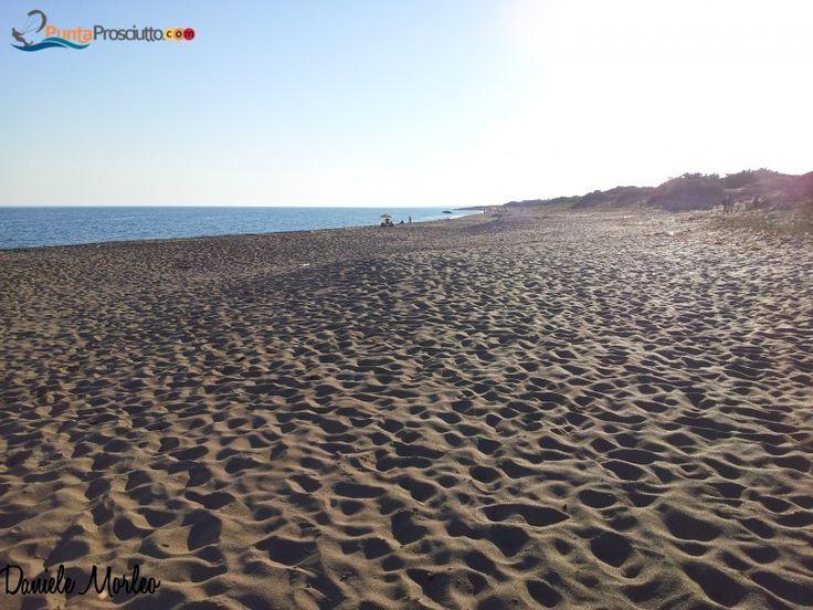 Salina dei Monaci's beach, Torre Colimena http://www.puntaprosciutto.com/spiaggia/spiaggia-salina-dei-monaci