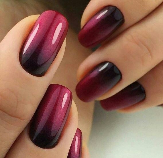 black and maroon ombre nails #AcrylicNailsOval