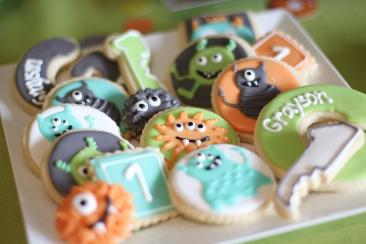 Kid's monster birthday party ideas - monster cookies