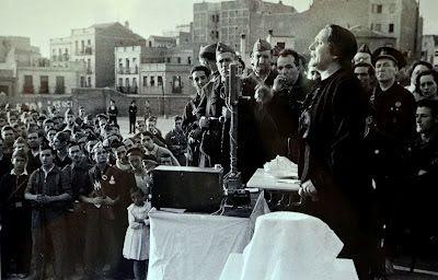 Mitin de Dolores Ibárruri en el Quinto Regimiento, Madrid, 1936.