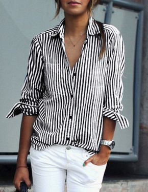Coucou les filles, je voulais vous parler des chemises alors en ce moment on peut voir dans les magasines des femmes qui portent des tenue d'homme mais féminisé ! Alors vous aussi prennez la chemise de votre mari rentrer la dans votre jean et le tour est joué ! Bisous ! Xoxo ❤