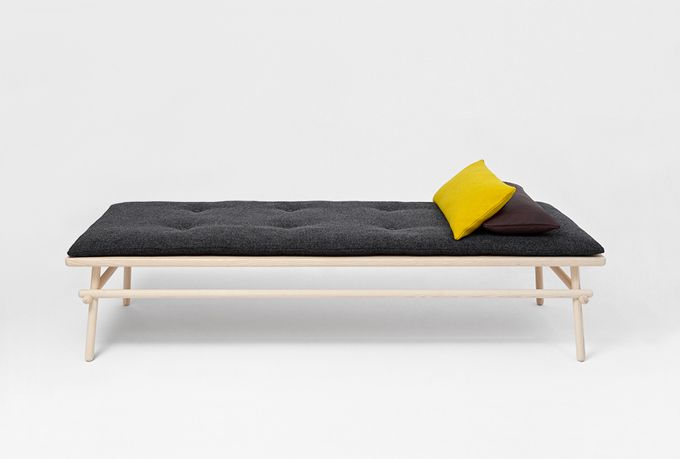 Pause daybedAndreas Mikutta Pause 1, Furniture Inspiration, Pause Daybeds, Beds Andrea, Andrea Mikutta Pause 1, Guest Beds, Interiors Design, Cleaning Design, Mikutta Daybeds