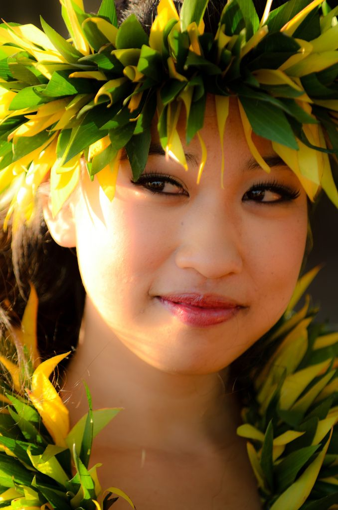 I moss Hawaii! 'Waihine' ~  the Maori and Hawaiian word for woman...Hawaii is a state, but it has it's own culture....Beautiful.....
