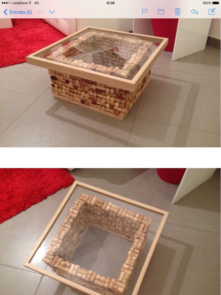 Tavolo di tappi di sughero