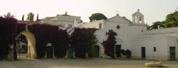 L'azienda agricola Villa Schinosa estende su circa 200 ettari alle porte di Trani