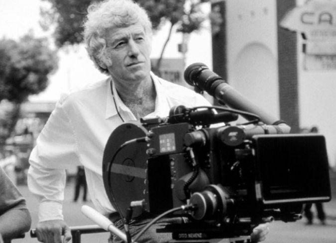 El director de fotografía?10 veces nominado al Oscar?, Roger Deakins, comparte una serie de consejos para fotógrafos y cineastas al momento de involucrarse en la realización y producción de un filme.