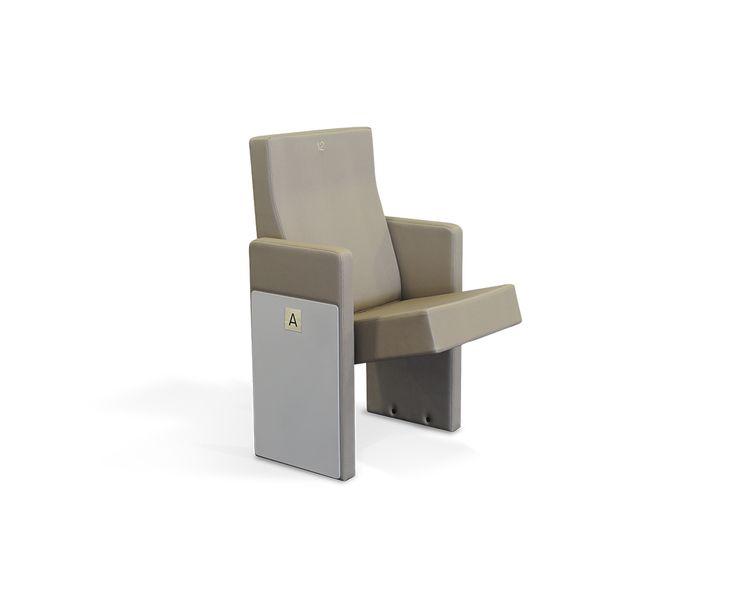 Résolument moderne et stylisé, ce fauteuil apportera classe et élégance à vos salles polyvalentes ou de conférences.