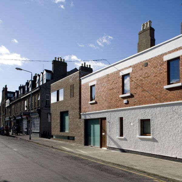 The site was long and narrow and the location of the entrance was key to the decision made to move the entrance onto Lennox Street, being more appropriate to the residential nature of Synge Street.