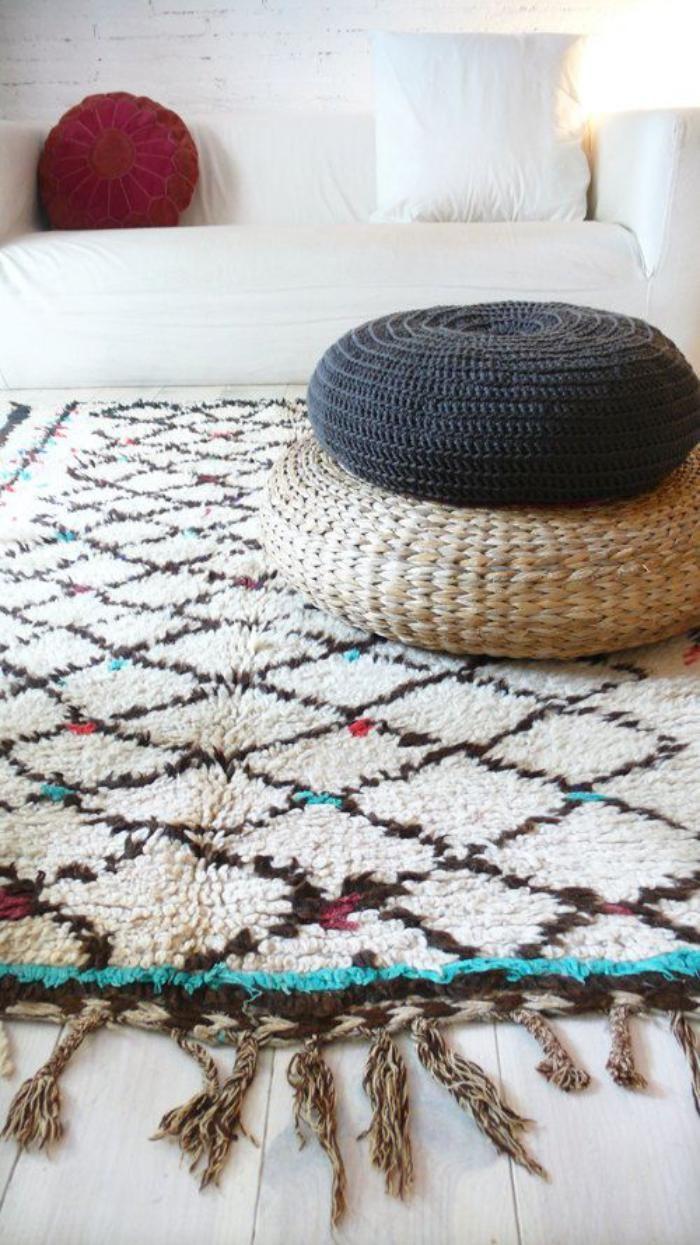 tapis marocain, beau tapis motifs diamants                                                                                                                                                                                 Plus