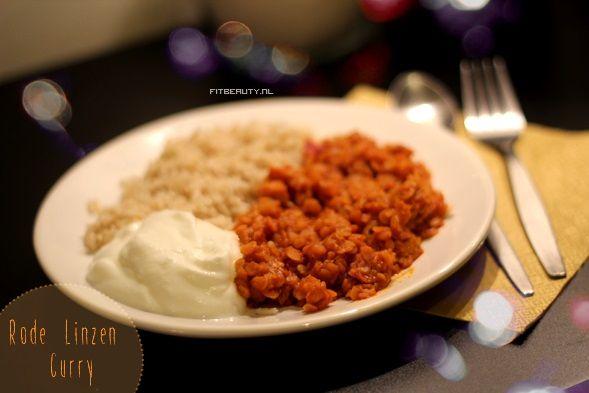 Voor het eerst zie ik het met mijn eigen ogen gebeuren; mijn vriend eet een warme maaltijd koud uit de koekast. Deze rode linzen curry! En dat terwijl hij de warme versie een uur geleden nog had gegeten. Goed geslaagd dus! En echt supermakkelijk te maken! Wat hebben we nodig? 110 gram droge rode linzen …