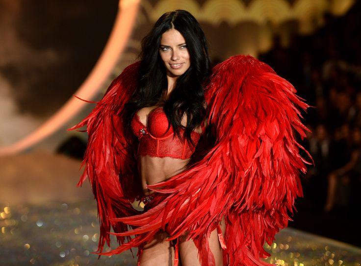 Anúncio de marca de biquíni com Adriana Lima causa polêmica na Alemanha