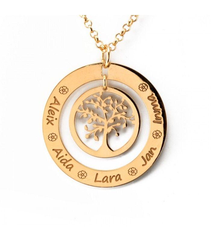 Colgante de plata de ley bañada en oro con dos aros, uno exterior de 35 mm con grabación y otro interior con un árbol de la vida. Personaliza el aro exterior con nombres o con una frase que te guste. #pendant #colgante #joyas #jewelry #plata #silver