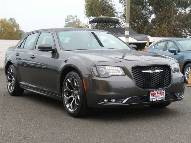 #Shifting #issues on a 2005 #Chrysler 300? Here's a #manual #review by The MK @ #letsdoitmanual #DIY     http://letsdoitmanual.com/2005-chrysler-300-review-the-repair-manuals-for-the-2005-2010-chrysler-300