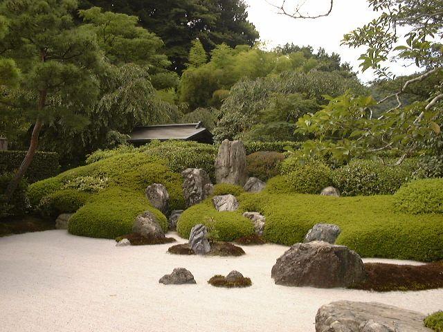 Best 25+ Japanese rock garden ideas on Pinterest Japanese deck
