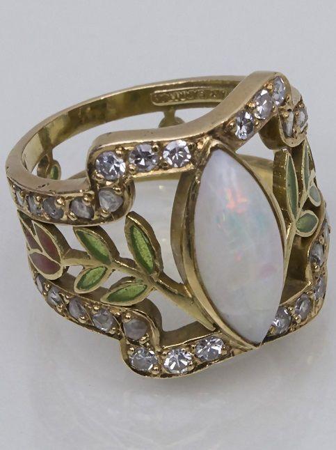 Masriera y Carreras - An Art Nouveau gold, enamel, opal and diamond ring, Barcelona, circa 1925.